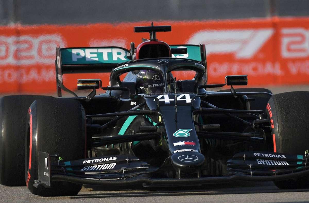 Lewis Hamilton muss sich in Sotschi mit Platz drei begnügen – bleibt aber auf WM-Kurs. Foto: dpa/Kirill Kudryavtsev