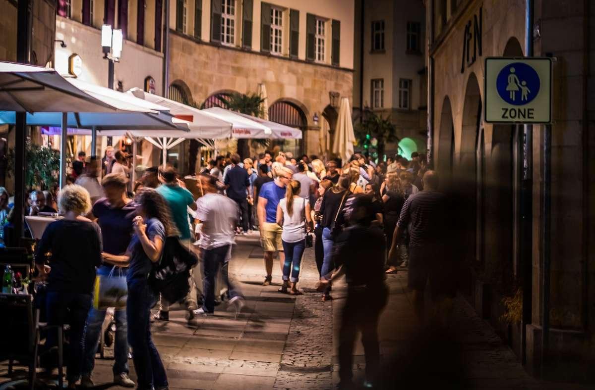 Abends in Stuttgart durch die Bars ziehen – eines von vielen Dingen, was die Stuttgarter momentan vermissen. Foto: Lichtgut/Max Kovalenko