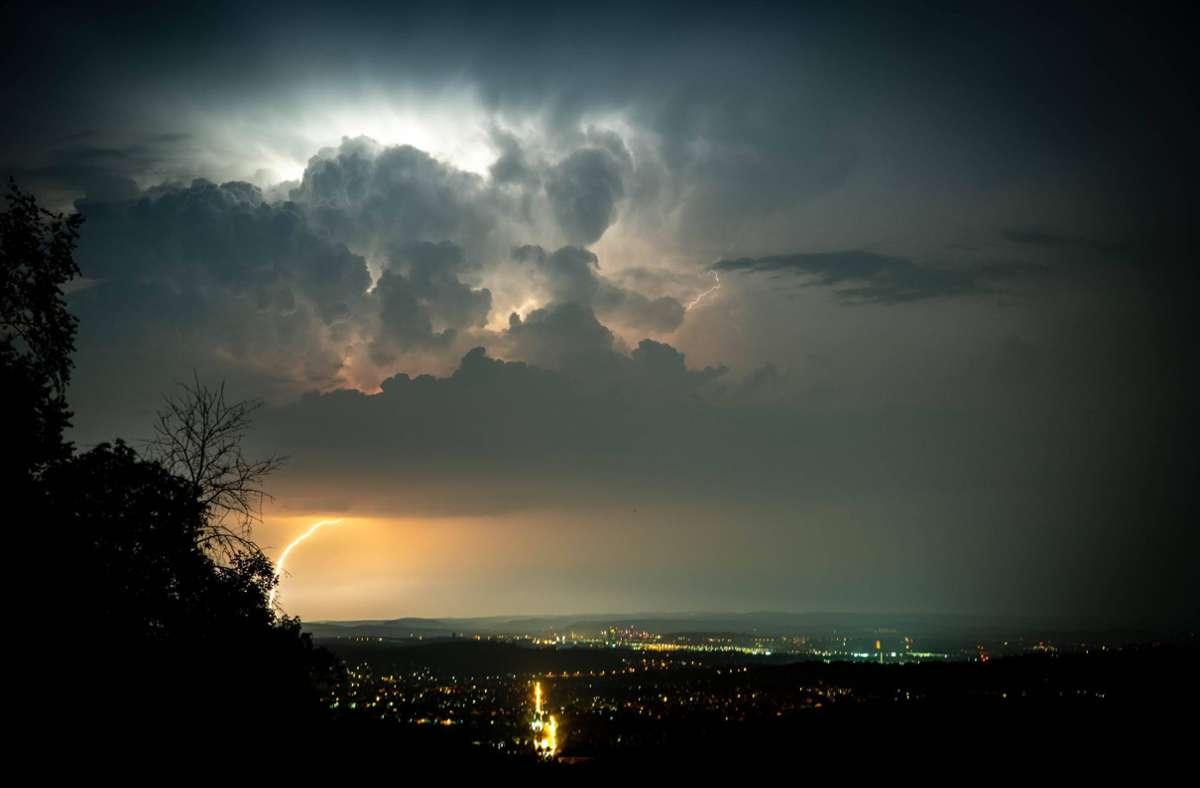 Über dem Südwesten entladen sich dieser Tage heftige Gewitter. Foto: 7aktuell.de/Nils Reeh