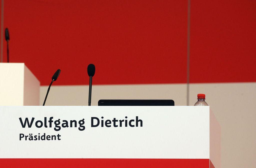 Der Stuhl des Präsidenten ist leer – noch in diesem Jahr wird der VfB Stuttgart wohl einen neuen Clubchef wählen. Foto: Baumann