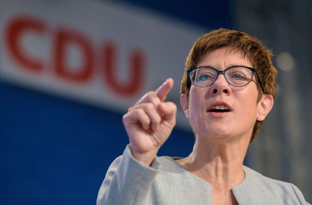 Die CDU-Chefin weiß nicht, wie man dem Youtube-Phänomen begegnet. Foto: dpa