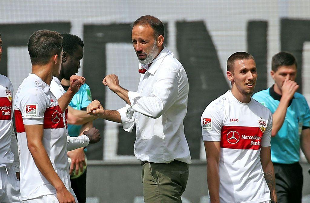 Für VfB-Trainer Matarazzo und seine Jungs geht es im Saisonfinale um alles. Foto:
