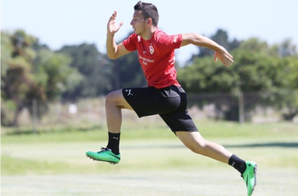 Der 16-jährige Arianit Ferati setzt beim VfB Stuttgart zum großen Sprung an. Aktuelle Bilder vom VfB-Training in Südafrika sehen Sie in unserer Galerie. Foto: Pressefoto Baumann