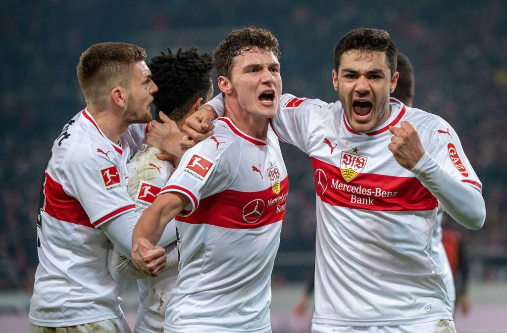 Das Team des VfB Stuttgart will am Sonntag bei Fortuna Düsseldorf gemeinsam einen Sieg bejubeln. Foto: dpa
