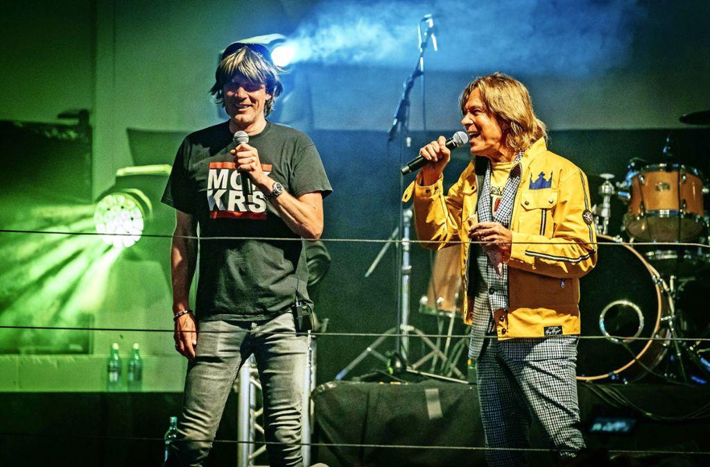 Gemeinsamer Auftritt im Hofbräu-Zelt: Mickie Krause und Jürgen Drews (von links). Foto: Thomas Niedermueller