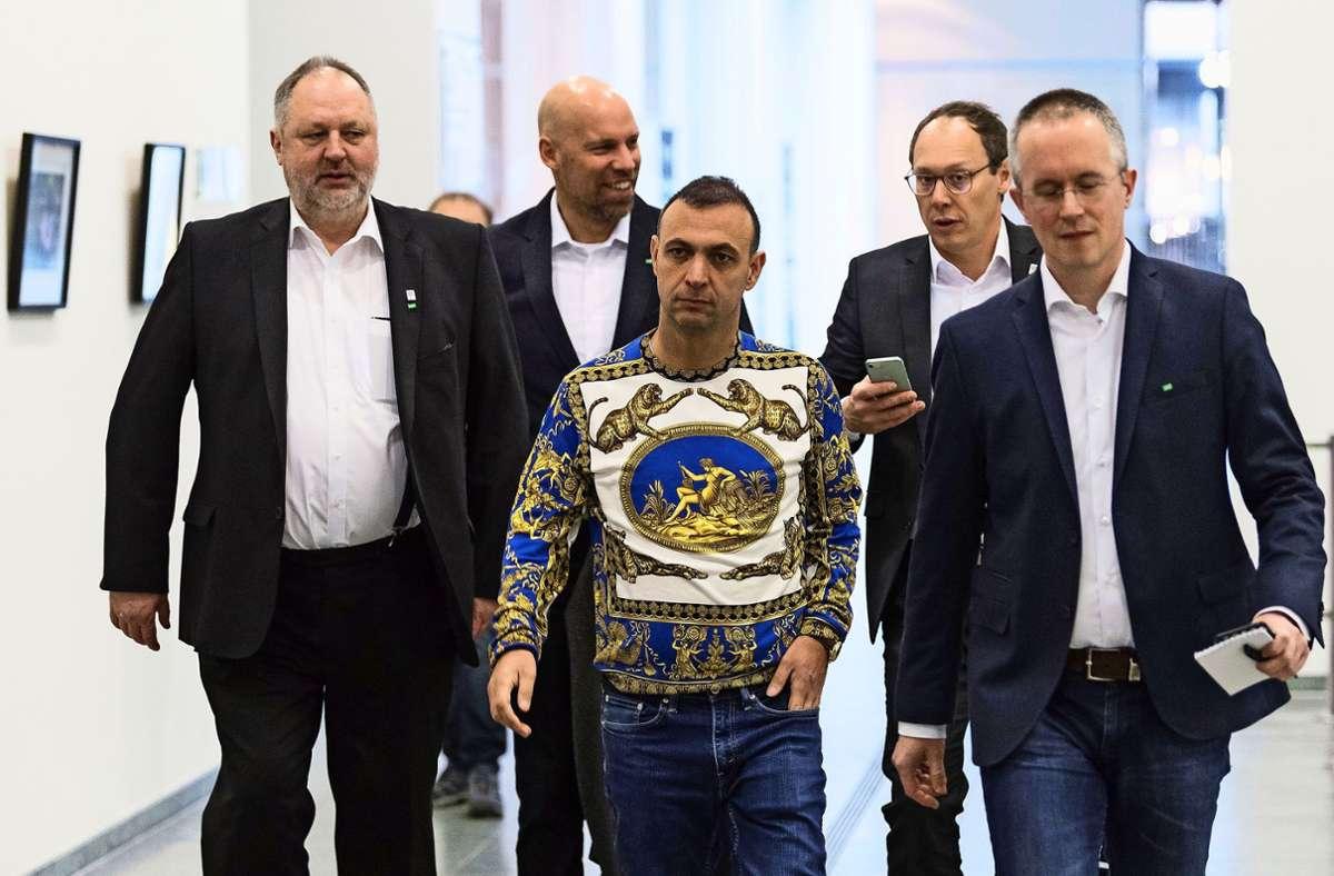 Handballmanager Bob Hanning ist für seinen extravaganten Modegeschmack bekannt. Foto: dpa/Soeren Stache