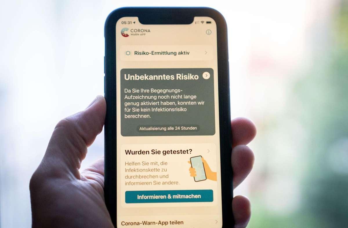 Die Corona-Warn-App soll bald ein Sprach-Update erhalten. Foto: picture alliance/dpa/Kay Nietfeld