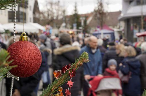 Viel Gedränge auf dem Ditzinger Weihnachtsmarkt