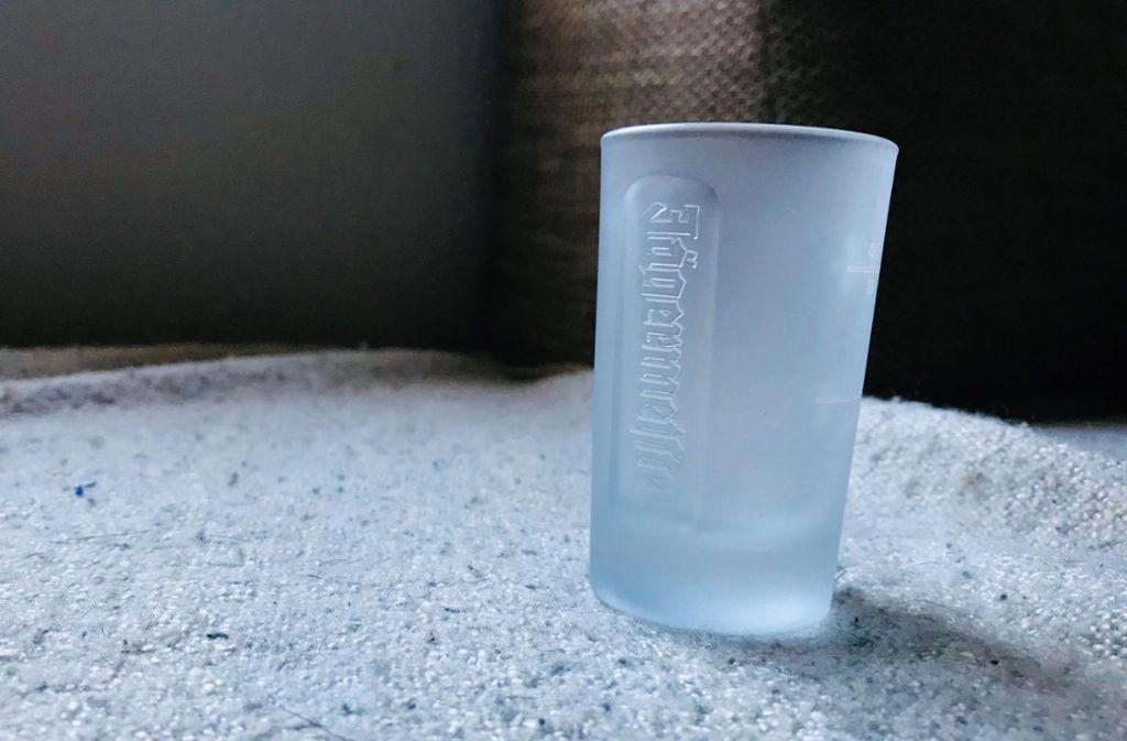 Kinder und schusselige Trinker wissen: Das ist ein sehr robustes Gläschen. Foto: Setzer