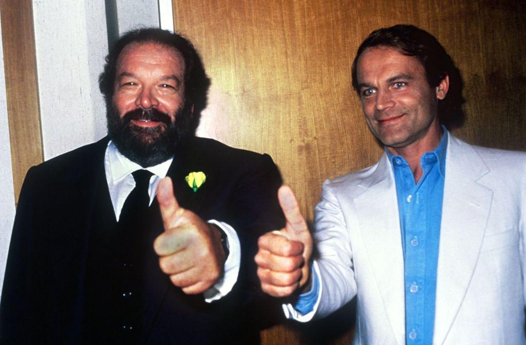 Bud Spencer (links) trat in vielen Filmen mit Terence Hill auf. Hier sind sie 1984 bei einer TV-Show zu sehen. Foto: picture alliance/dpa