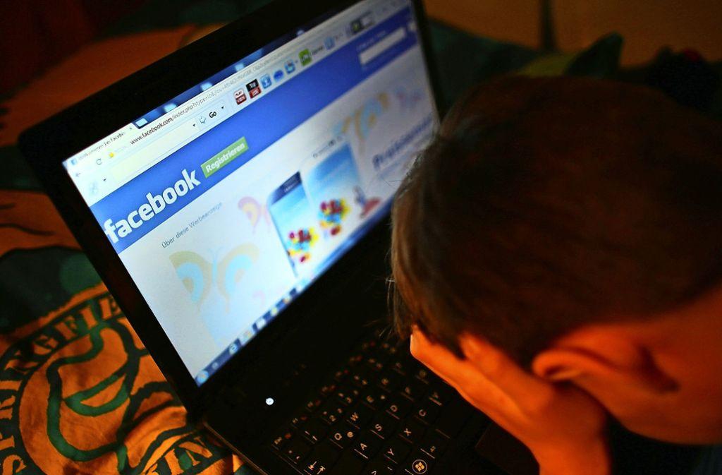 Beim Cybermobbing werden die Opfer im Internet belästigt, beleidigt und bloßgestellt. Foto: dpa