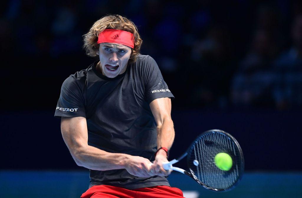 Der 21-jährige Alexander Zverev unterlag dem Weltranglisten-Ersten Novak Djokovic mit 4:6, 1:6. Foto: AFP