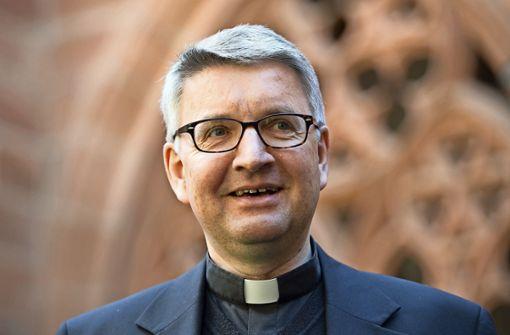 Mainzer Bischof zockt mit Jugendlichen Minecraft