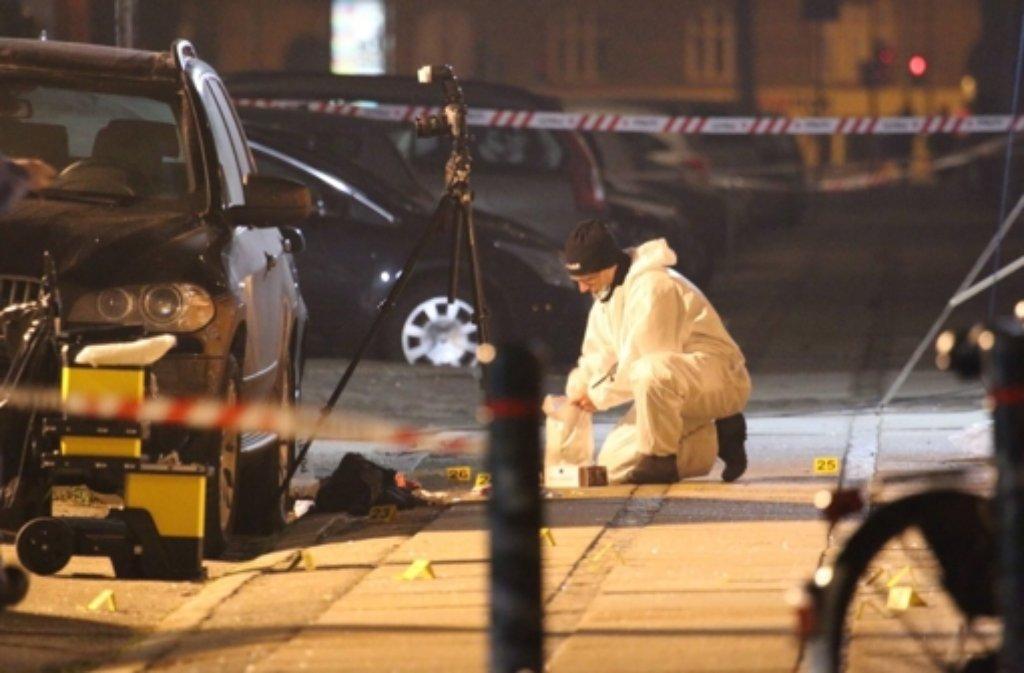 Am Tatort der Anschläge von Kopenhagen war ein verdächtiger Brief gefunden worden. Sprengstoffexperten gaben Entwarnung: Es handlete sich nicht um eine Bombe. (Archivbild) Foto: dpa
