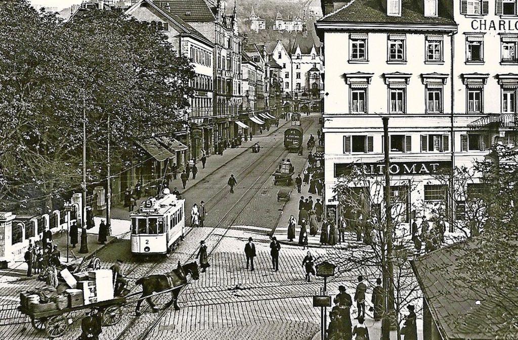 So sah der Charlottenplatz vor 100 Jahren hat. Im Charlottenbau (rechts) befand sich eine Automaten-Gaststätte. Foto: Sammlung Erika Lanz