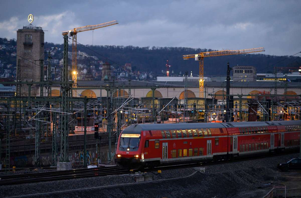 Regionalzüge werden für die moderne Signaltechnik ETCS umgerüstet. Foto: dpa/Sebastian Gollnow