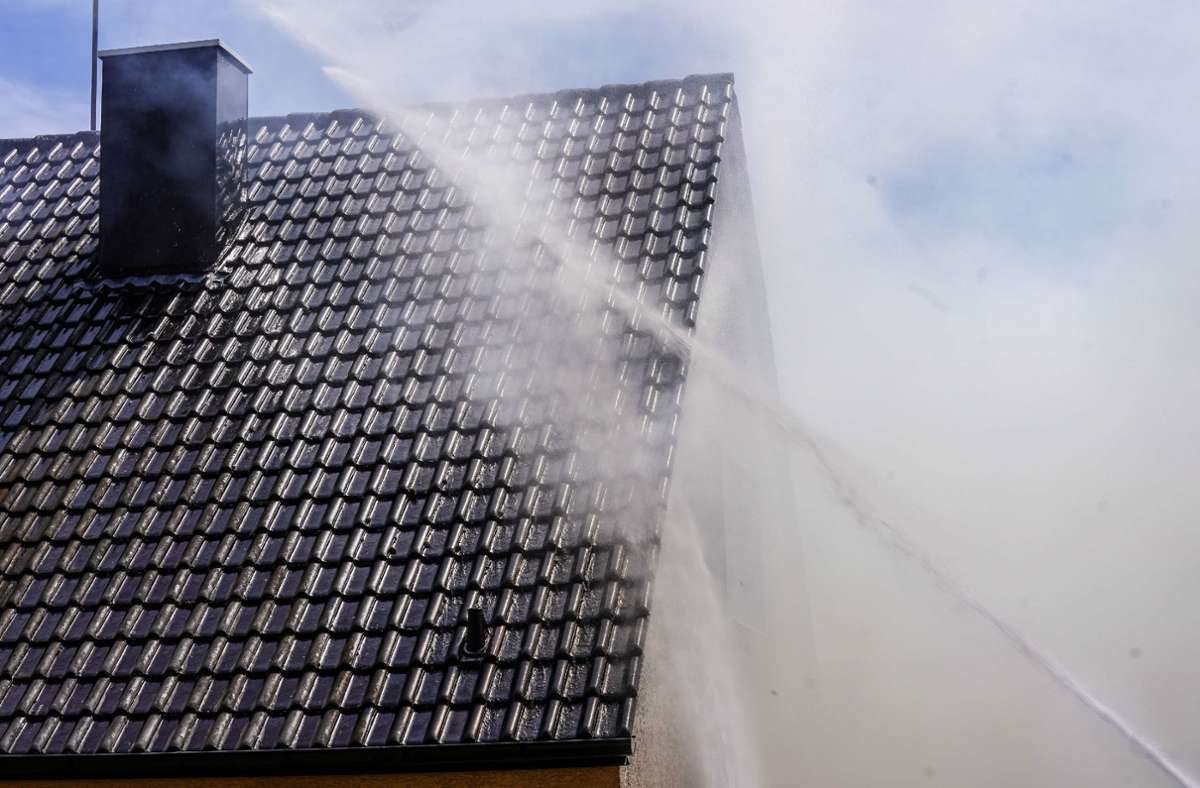 Laut Polizei hat es am Sonntagnachmittag in Denkendorf einen Brand gegeben. Foto: SDMG/SDMG / Kohls