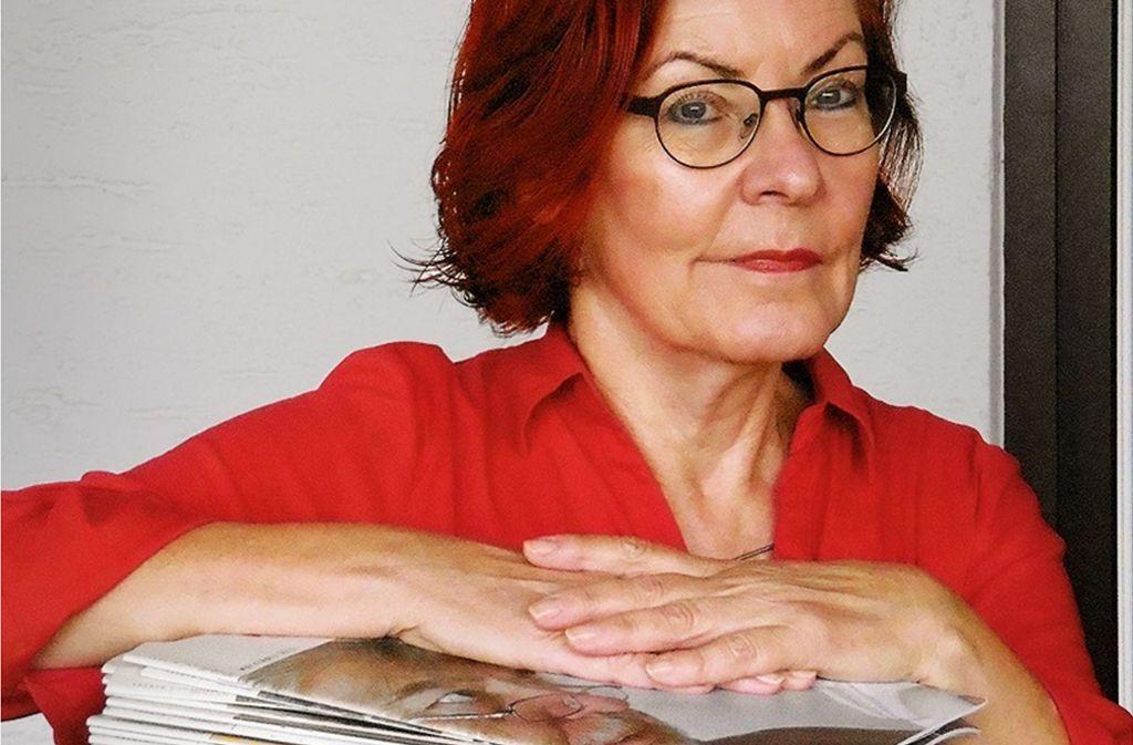 """Unzertrennliche Einheit: Irene Ferchl und ihr """"Literaturblatt"""" Foto: Günter Rocznik"""