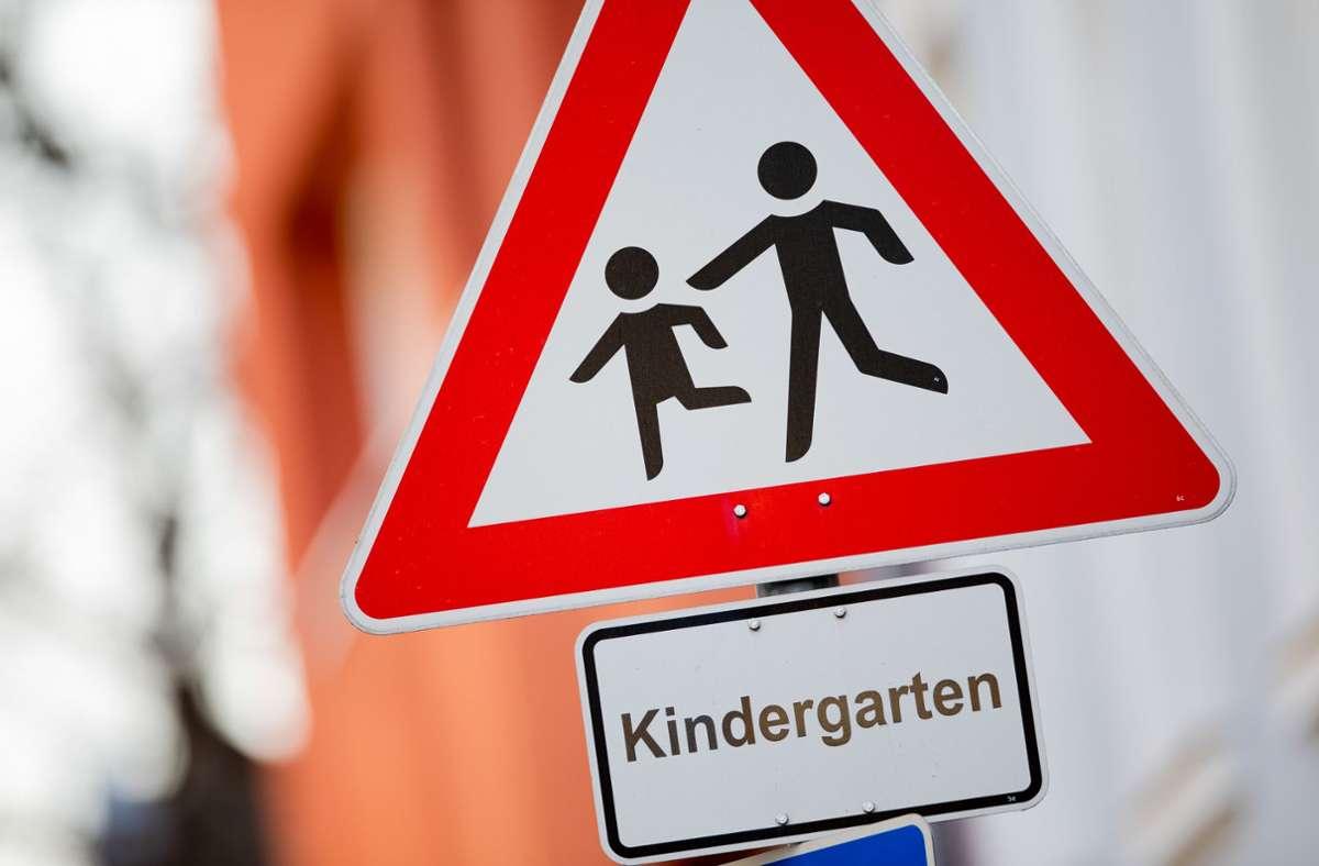 In Mannheim musste ein Kindergarten geräumt werden. (Symbolbild) Foto: dpa/Rolf Vennenbernd