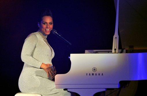 Alicia Keys zeigt ihre Babykugel