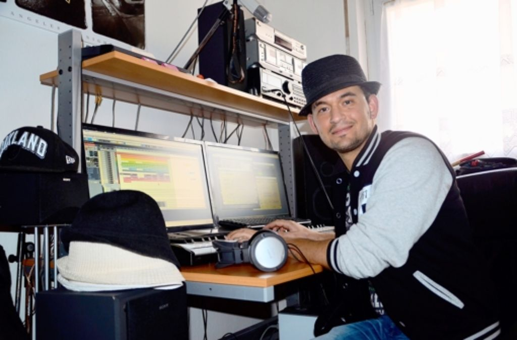 Thomas Tubita alias Romeo Darello ist in seinem eigenen Studio zuhause. Foto: Jens Noll