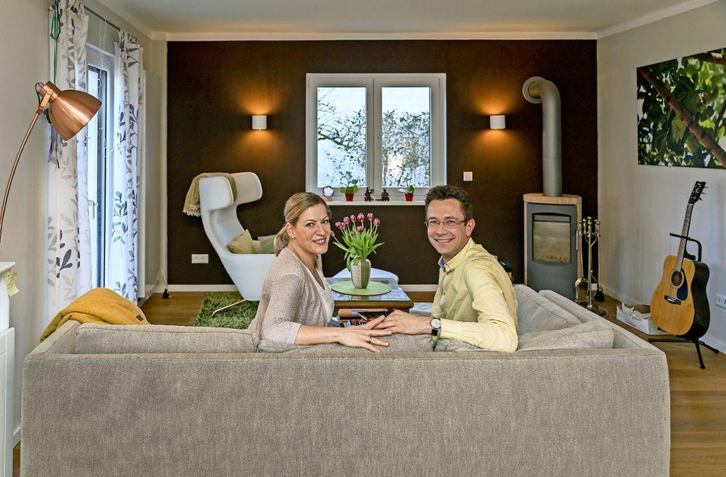 Geraldine und Martin Hasselmann in ihrem Haus in Mühlacker Foto: factum/Weise