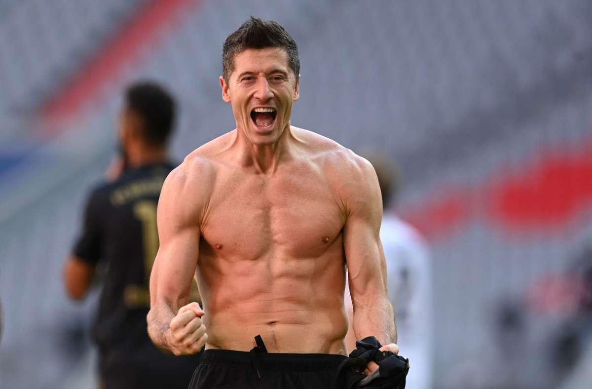 Robert Lewandowski hat den Rekord von Gerd Müller gebrochen. Foto: AFP/CHRISTOF STACHE