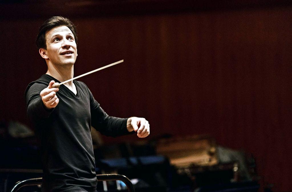 "Cornelius Meister hat sein Amt an der Staatsoper Stuttgart mit Wagners ""Lohengrin"" angetreten. Foto: Marco Borggreve"