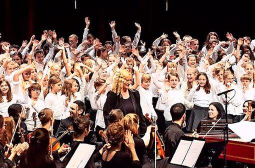 """Gemeinsam ist am besten: die Internationale Bachakademie Stuttgart realisiert das Musikvermittlungsprojekt """"BachBewegt!Singen!"""" im Schuljahr 2020/21."""