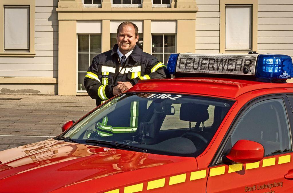 Tatü-tata, wer strahlt denn da? Ben Bockemühl mit seinem Kommandowagen! Foto: factum/Weise