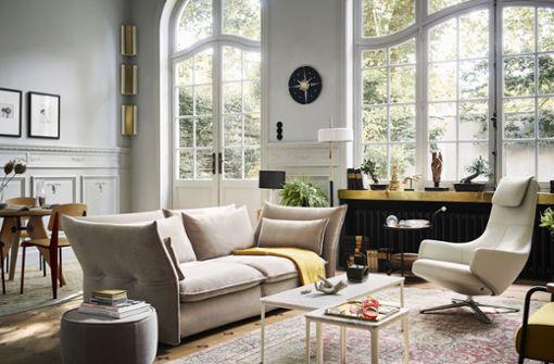 Life Story ist ein Wohntrend für Individualisten. Der Mix aus Möbelklassikern und modernen Designerstücken, Erbstücken und Neuanschaffungen, aus Kunst und Kitsch lässt unser Zuhause zum persönlichen Ruhepol werden. Hier fühlen wir uns sicher und geborgen.
