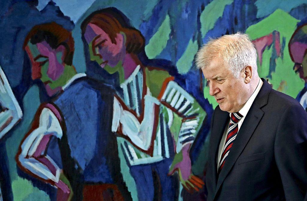 Im Verzug: Seit vier Wochen sucht Bundesinnenminister Horst Seehofer nach einem Nachfolger für den geschassten Präsidenten des Verfassungsschutzes. Foto: Getty Images Europe