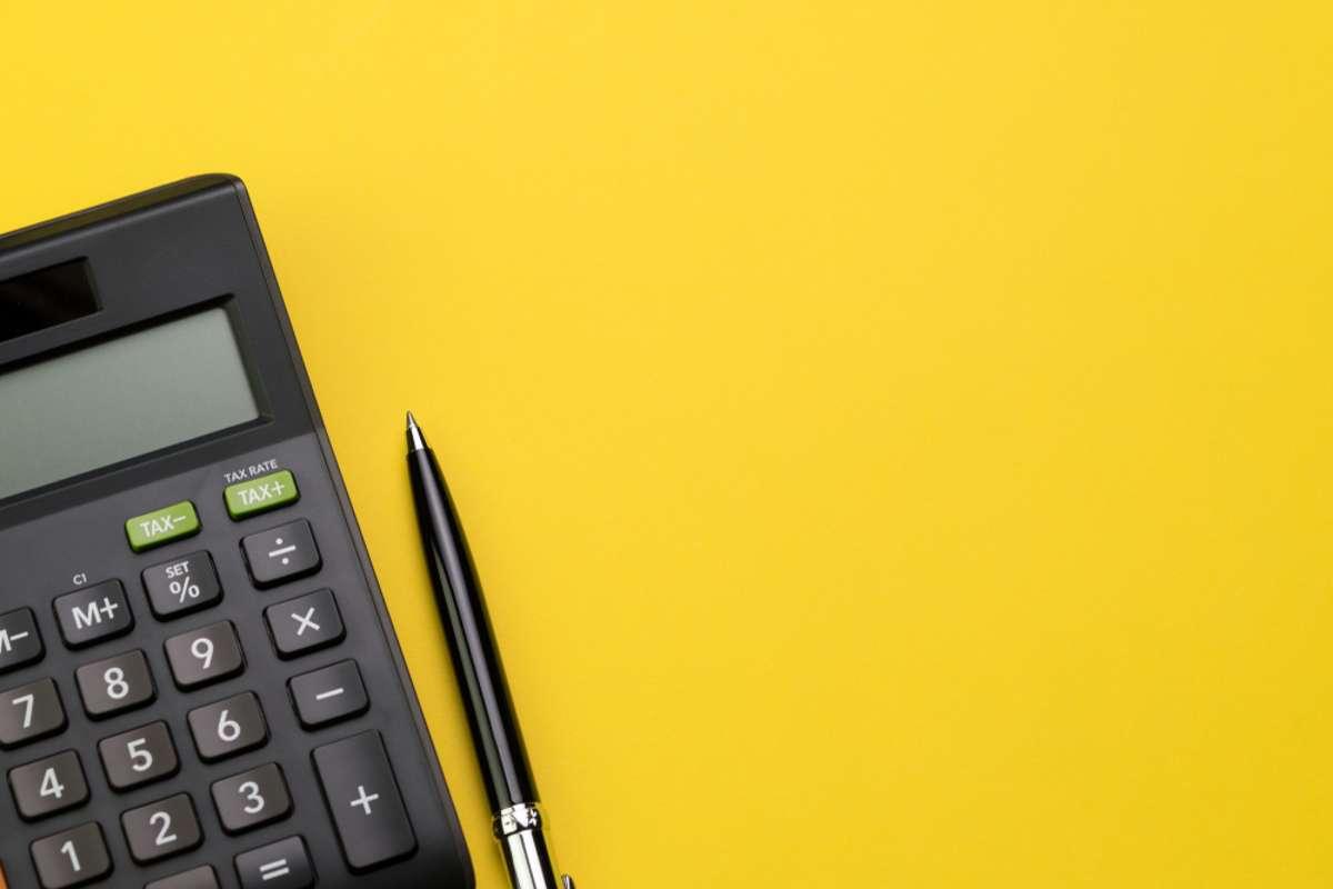 Mit dieser Formel berechnen Sie den Wert. Foto: eamesBot / shutterstock.com