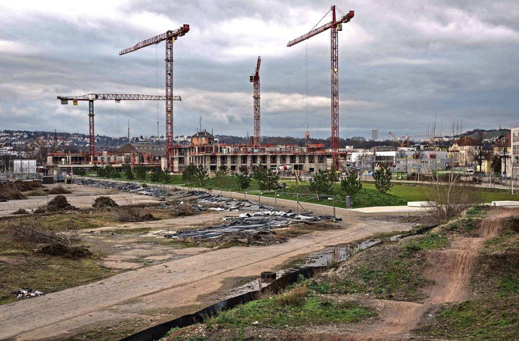 Die ersten Gebäude  im Neckarpark wachsen in die Höhe. Foto: Lichtgut/Max Kovalenko