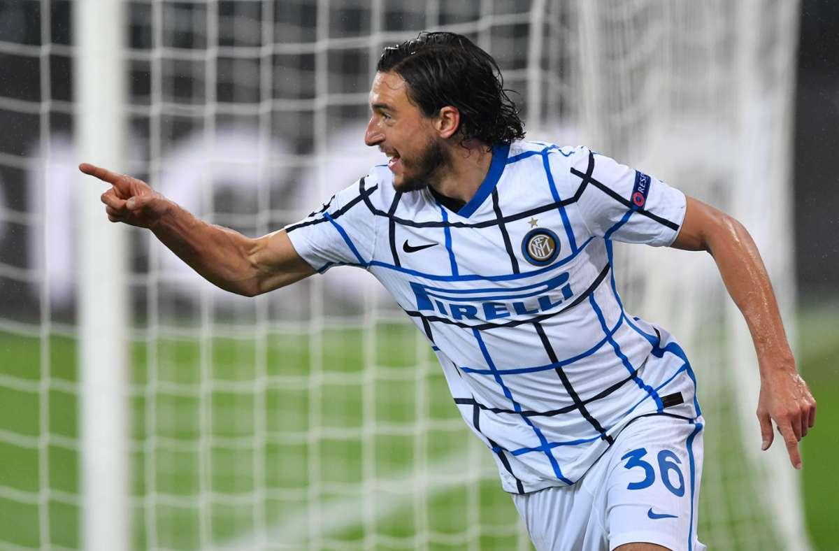 Mailands Matteo Darmian bejubelt sein Tor zum 0:1. Foto: dpa/Marius Becker
