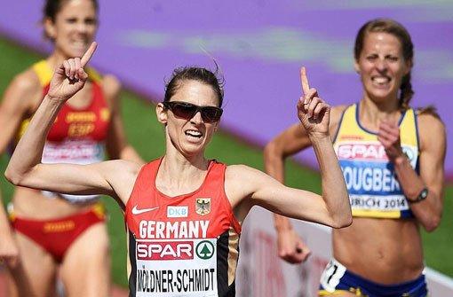 Antje Möldner-Schmidt gewinnt Hindernislauf
