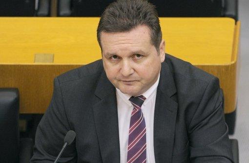 Stefan Mappus kämpft vor Gericht um die Löschung seiner Mails. Foto: dpa
