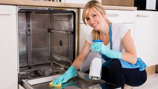 Spülmaschine reinigen und pflegen - Hausmittel und Tipps
