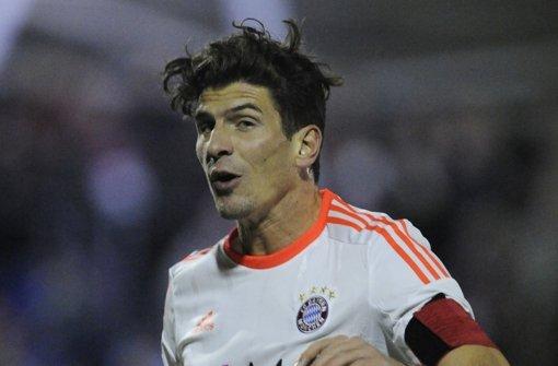 Gomez' Frisur gesucht!