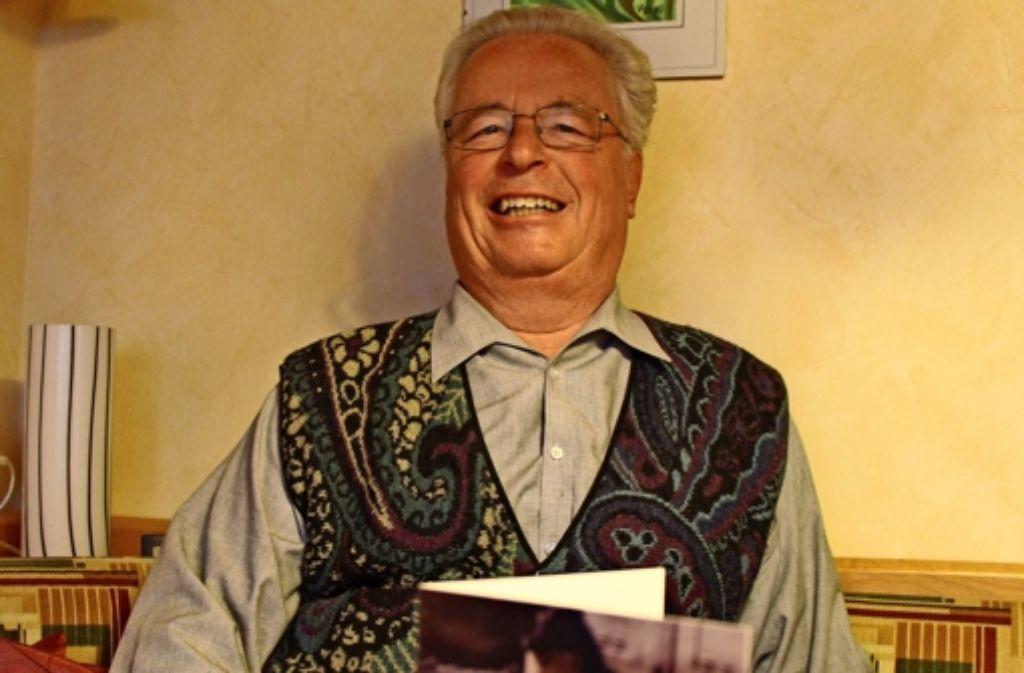 Hubert Schmidts Einladung sind um die 40 Menschen gefolgt – und damit seiner Aufforderung, Geld zu spenden. Foto: Eveline Blohmer