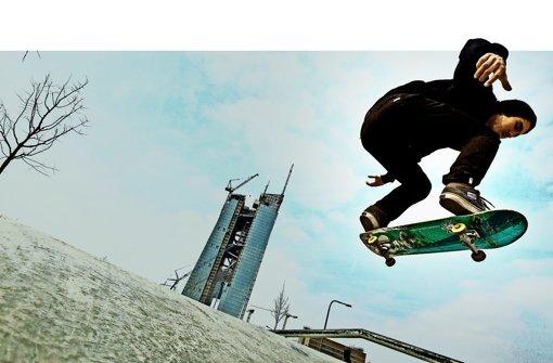 Hoch hinaus wollen Stuttgarts Skater künftig in Bad Cannstatt. Dort entsteht eine 750Quadratmeter große Skatehalle neben dem Jugendhaus Cann. Foto: dpa, Lg/Leif Piechowski