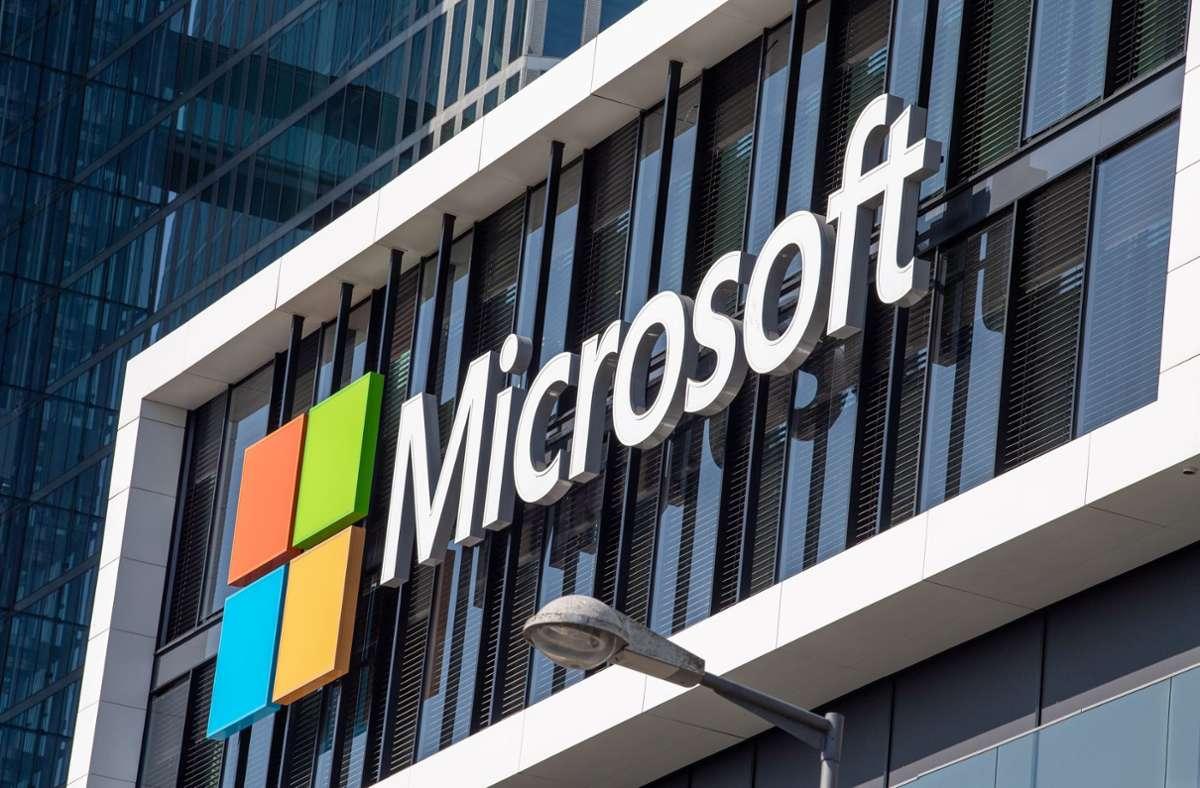 Microsoft muss Sicherheitslücken in seiner E-Mail-Software mit einem Update stopfen. (Symbolbild) Foto: dpa/Peter Kneffel