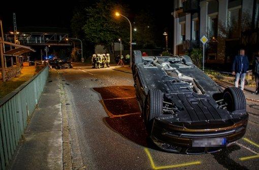 Betrunkener Autofahrer rammt Wagen