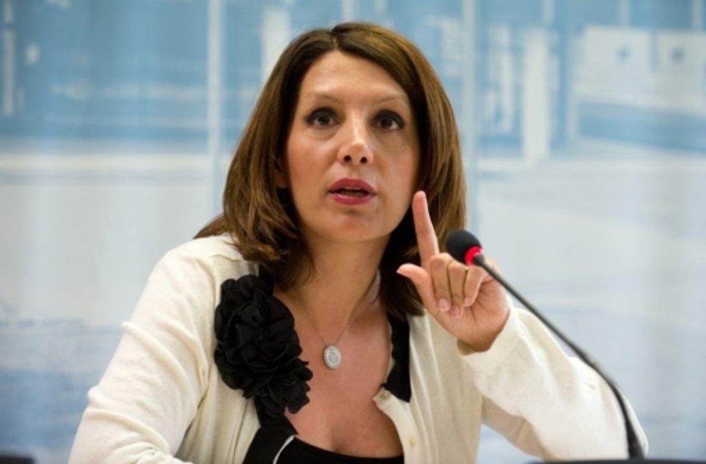 Ministerin Öney distanziert sich von Rassismus-Vorwürfen gegen die CDU. Foto: dpa