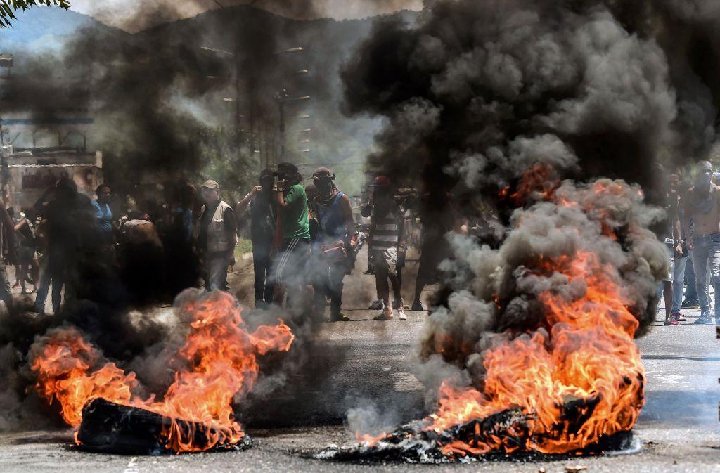 Chaos in Venezuela. Die Proteste gegen den Umbau des Staates verlaufen nicht immer friedlich. Foto: AFP