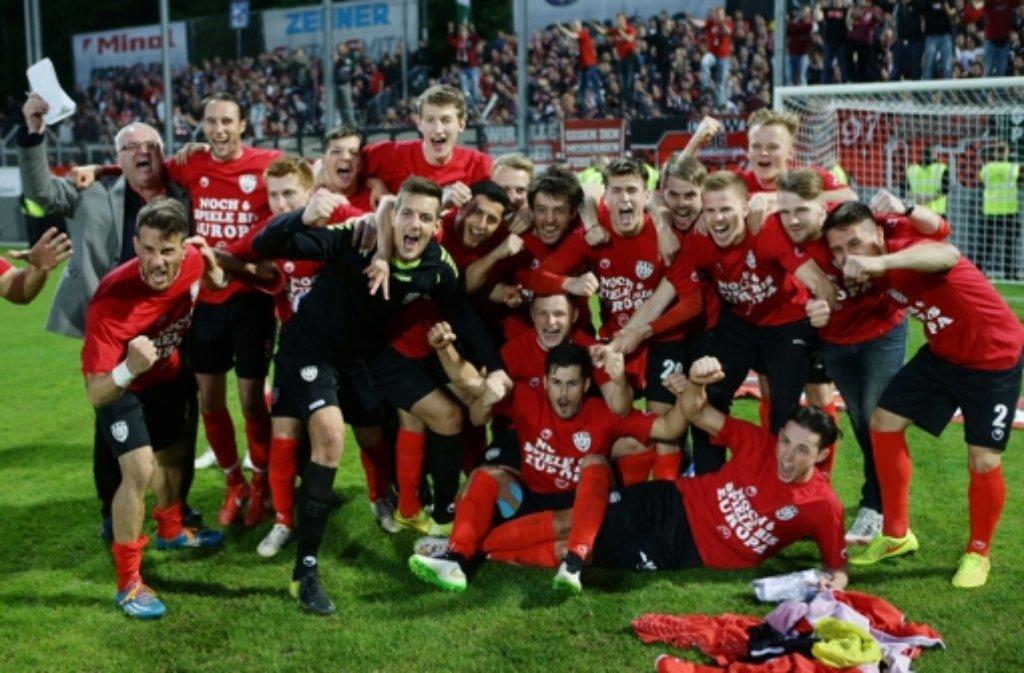 Die Spieler des SSV Reutlingen können sich im DFB-Pokal gegen den Karlsruher SC auf eine tolle Kulisse freuen.  Foto: Pressefoto Baumann
