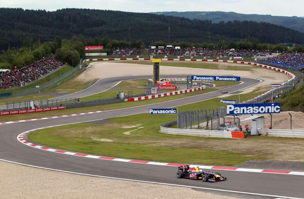 Die Gesundheitsbehörde gibt grünes Licht: 20.000 Zuschauer dürfen das Formel-1-Rennen auf dem Nürburgring verfolgen. Foto: dpa/Roland Weihrauch