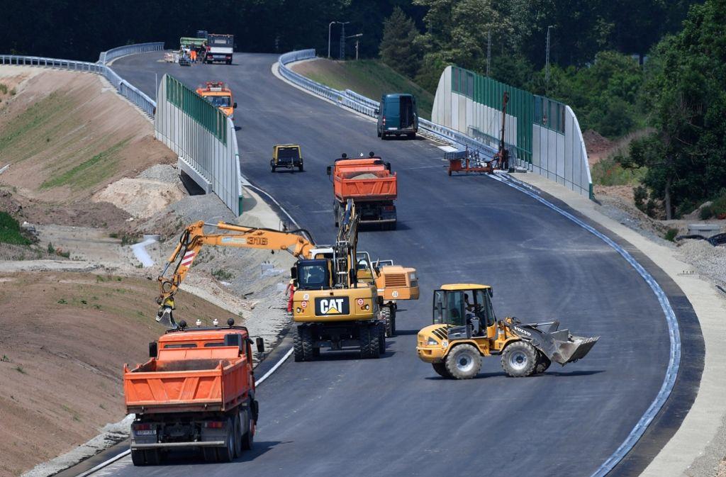 Mit 282 Millionen Euro soll der Straßenausbau im Südwesten gefördert. Foto: dpa