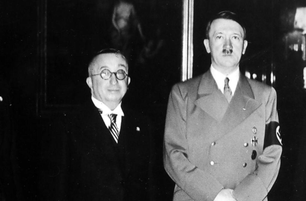 Beim NSDAP-Parteitag 1938 ehrte Adolf Hitler Foto: Ullstein Bild