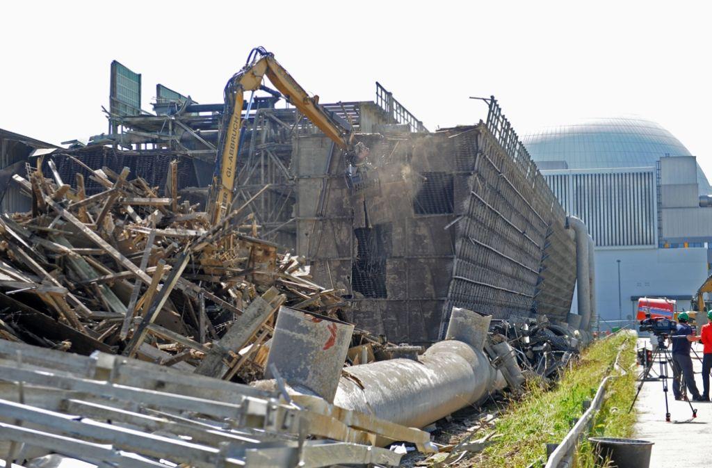 Der Schutt aus atomaren Anlagen (wie hier vom stillgelegten Kernkraftwerk Neckarwestheim) wird vorerst nicht mehr auf Deponien transportiert – das hat das Umweltministerium bekanntgegeben. Foto: dpa
